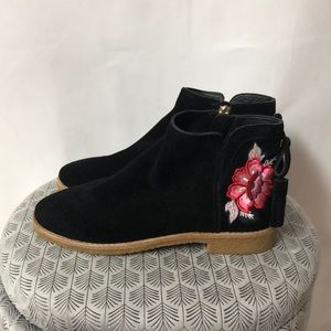Kate Spade black flat floral embroidered booties